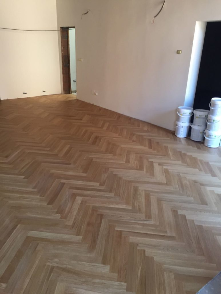 Pavimento Legno Spina Di Pesce ferrara, work in progress posa parquet a spina - design